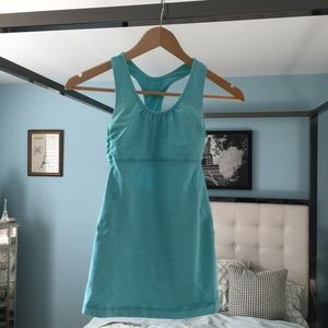 EUC Lululemon Baby Blue Striped Scrunch Sz 4 Tank